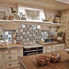 Kitchen by Urbana Interiorismo, Rustic