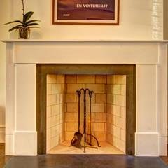 Park Slope Brownstone:  Living room by Ben Herzog Architect