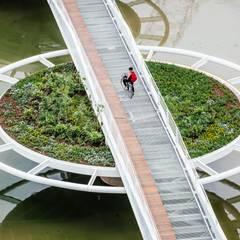 Ponte Friedrich Bayer - Ponte Móvel sobre o Canal Guarapiranga: Aeroportos  por LoebCapote Arquitetura e Urbanismo