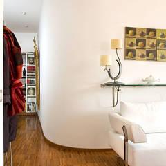 Moderner Flur, Diele & Treppenhaus von Giandomenico Florio Architetto Modern