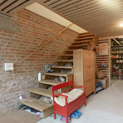 Garage/shed by +studio moeve architekten bda