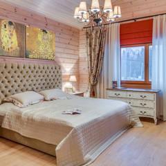 Интерьеры загородного дома из клееного бруса: Спальни в . Автор – Be In Art