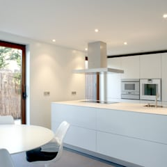 Kitchen by THK Construcciones