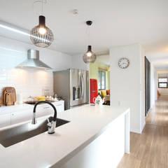 매일매일이 캠핑같은 전남 광양주택: 주택설계전문 디자인그룹 홈스타일토토의  주방,모던