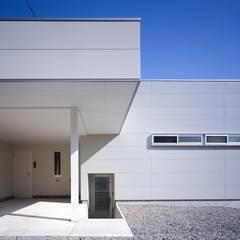 Maisons de style  par 有限会社アルキプラス建築事務所, Moderne
