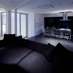 Salle à manger de style  par 有限会社アルキプラス建築事務所, Moderne