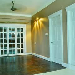 A CREATIVE AXIS INTERIORS PVT LTD PROJECT 2: colonial Dining room by Creative Axis Interiors Pvt. Ltd.