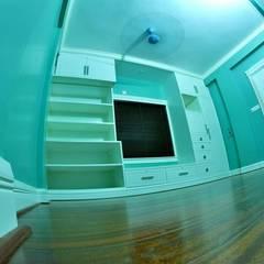 A CREATIVE AXIS INTERIORS PVT LTD PROJECT 2:  Nursery/kid's room by Creative Axis Interiors Pvt. Ltd.