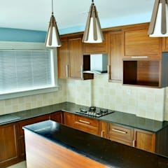 A CREATIVE AXIS INTERIORS PVT LTD PROJECT 2:  Kitchen by Creative Axis Interiors Pvt. Ltd.