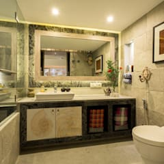 Eclectic Apartment:  Bathroom by The Orange Lane