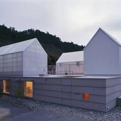 Houses by 島田陽建築設計事務所/Tato Architects