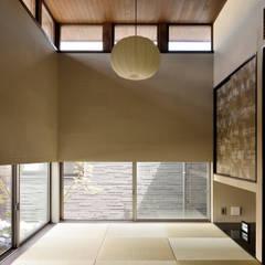 Media room by H建築スタジオ, Modern