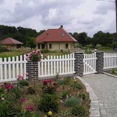 Ogrodzenie wklęsłe 2: styl , w kategorii Ogród zaprojektowany przez Ogrodzenia Radosław Sycz
