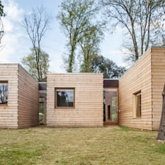 Casa GG: Casas de estilo moderno de Alventosa Morell Arquitectes