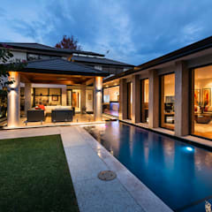 Floreat Residence, Perth, Western Australia:  Terrace by Moda Interiors