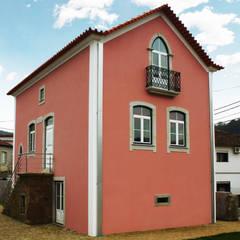 Moradia Castro: Casas  por EVA   evolutionary architecture