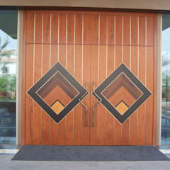 Wooden doors by FPL srl, Modern