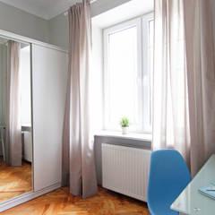 POKÓJ NR 2 PO METAMORFOZIE: styl , w kategorii Okna zaprojektowany przez Better Home