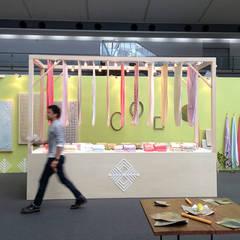 Exhibitieruimten door tona BY RIKA KAWATO / tonaデザイン事務所