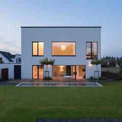 Maisons de style  par SCHAMP & SCHMALÖER