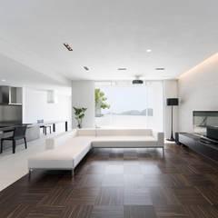 Yates y jets de estilo moderno por 株式会社細川建築デザイン