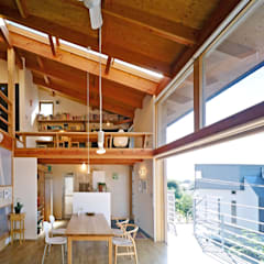 Style: 久保田英之建築研究所が手掛けたダイニングです。,モダン