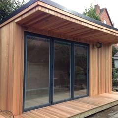 Oak Garage:  Garage/shed by RTC