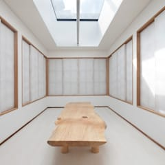 Korean Dessert Cafe Mu-a (無我):  Commercial Spaces by inexdesign