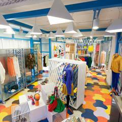 [DesigN m4]_상업공간 인테리어_스파이시컬러 플래그쉽 스토어: Design m4의  가게,에클레틱 (Eclectic)