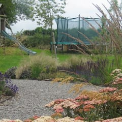 Large Country Garden Jardines de estilo rural de Rosemary Coldstream Garden Design Limited Rural
