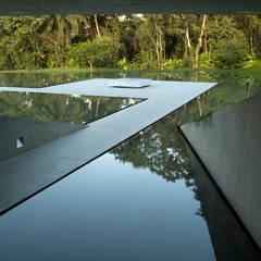 Entrada do térreo: Museus  por Tacoa