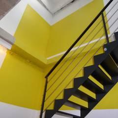 Centre de Yoga à Paris: Salle de sport de style de style Moderne par Atelier Sompairac Architectes