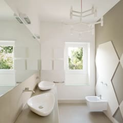 minimalistic Bathroom by stefania eugeni