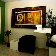 Proyectos en Residencias: Pasillos y recibidores de estilo  por Galeria Ivan Guaderrama