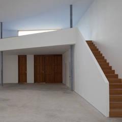 Eingang und Empore :  Museen von quartier vier Architekten Landschaftsarchitekten