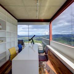 Study/office by Denise Macedo Arquitetos Associados