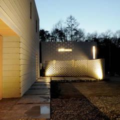 minimalistic Houses by 백에이어소시에이츠