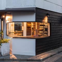 COCONA : 株式会社 伊坂デザイン工房が手掛けた商業空間です。