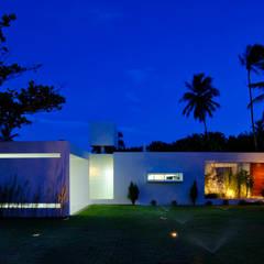 Casa Carqueija: Casas  por dantasbento | Arquitetura + Design