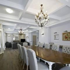 дом в колониальном стиле: Столовые комнаты в . Автор – freelancer