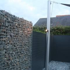 Aménagement complet pour un jardin de centre ville: Jardin de style  par EURL OLIVIER DUBOIS, Moderne
