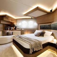 MCY _ 76: Yacht & Jet in stile  di  roberta mari