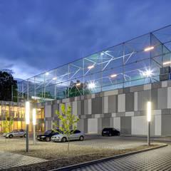 FALA PARK Centrum Spotrów i Rekreacji | WOLSZTYN od PL.architekci Minimalistyczny