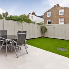 Narbonne Avenue Clapham:  Garden by Bolans Architects
