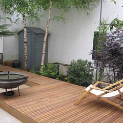 PATIO DE STYLE INDUSTRIE: Jardin de style  par  GARDEN TROTTER, Industriel