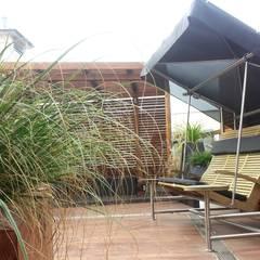Ogród na dachu z nutką orientu: styl , w kategorii Ogród zaprojektowany przez GREENERIA