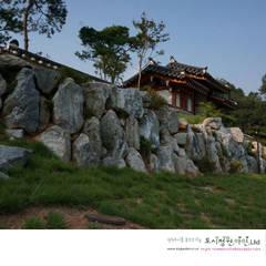 Korea traditional garden -  남양홍씨 대호군파 재실정원: Urban Garden AIN.Ltd의  정원