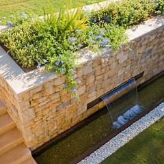 Vivienda unifamiliar en Dénia, Alicante: Jardines de estilo  de Jorge Belloch interiorismo, Moderno