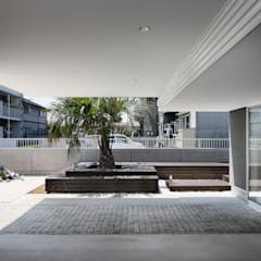l a n i: *studio LOOP 建築設計事務所が手掛けたガレージです。