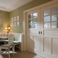 Puertas correderas de estilo  de Beinder Schreinerei & Wohndesign GmbH